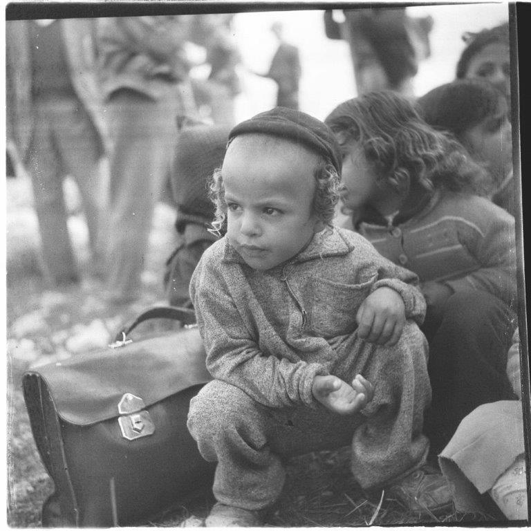 1096600473 ילדים בנטיעות לקראת טו בשבט